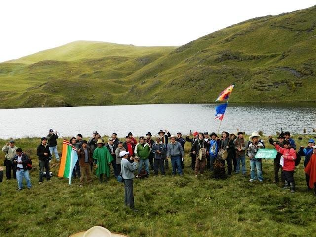 Cajamarquinos ocupan lagunas afectadas por proyecto Conga pese a fuerte resguardo policial