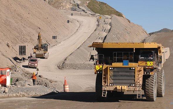 Mineras buscan evitar el pago de aportes por regulación para fiscalización ambiental