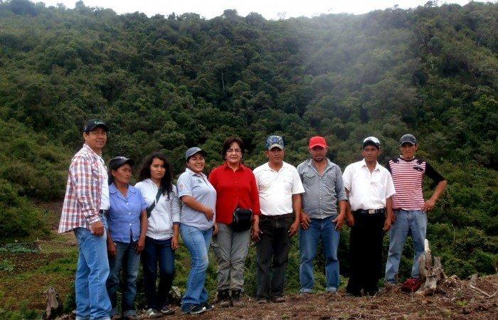 Directivos de la CC Cujaca, representante del SERNANP, IGCH y Gobierno Regional