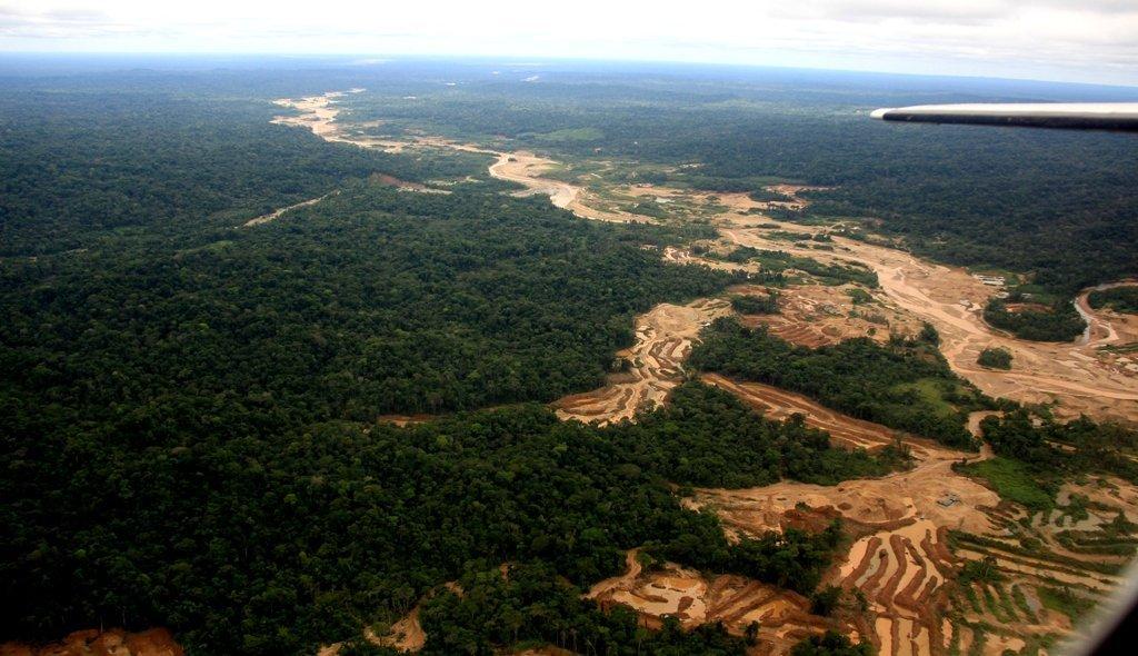 Corredor de Minería Ilegal en la cabecera del Río Malinowky