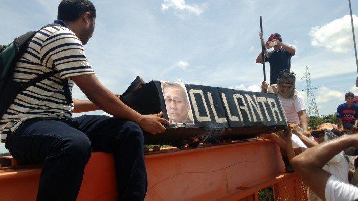 Los manifestantes tomaron el puente Continental como medida de protesta.