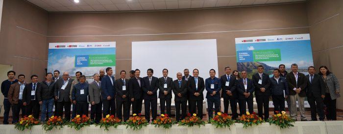 Altas ejecutivos de EPS firmantes de Declaración de Piuray